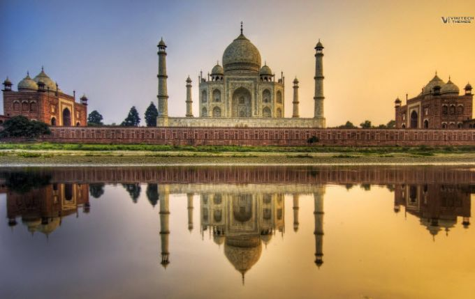 7 Wonders Of The World Theme