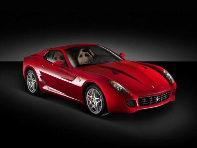 Red Ferrari 599 GTB