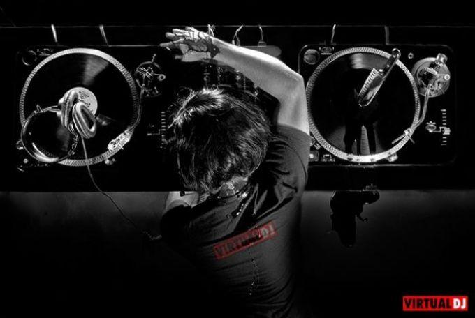 Virtual DJ Wallpapers Pack