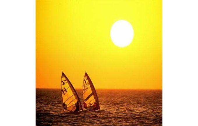 Sailing Wallpaper