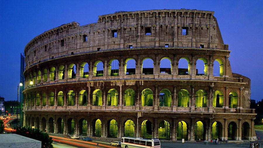 Coliseum, Rome, Italy Wallpaper