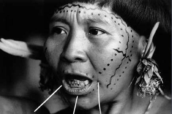 NZZ Bilschirmschoner Yanomi Indianer