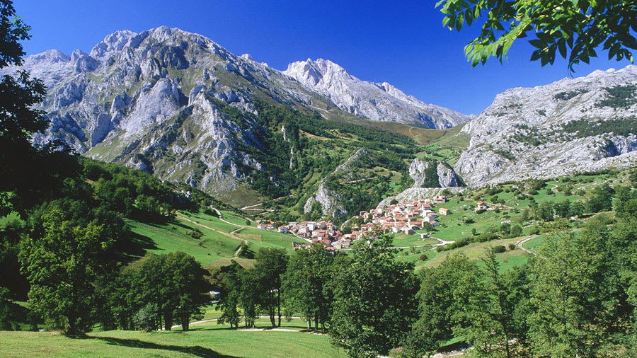 Picos de Europa National Park Wallpaper